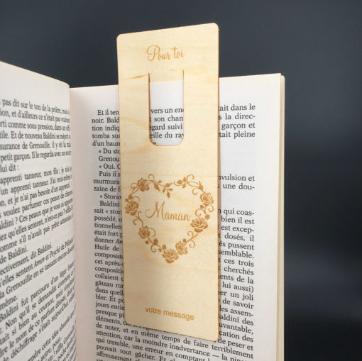 marque-page personnalisable bois sur livre
