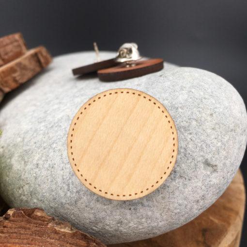 Le pin's bois personnalisable erable