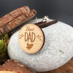 Le pin's bois best dad érable