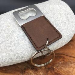 Le Porte-clés Le décapsuleur marron