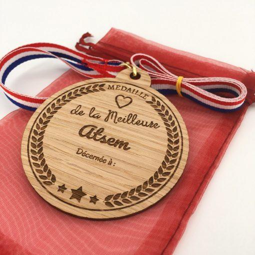 médaille bois personnalisable atsem chêne
