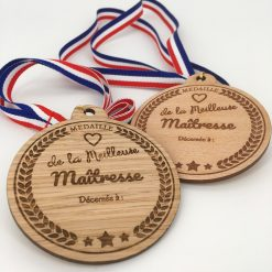 médaille bois meilleure maîtresse ensemble