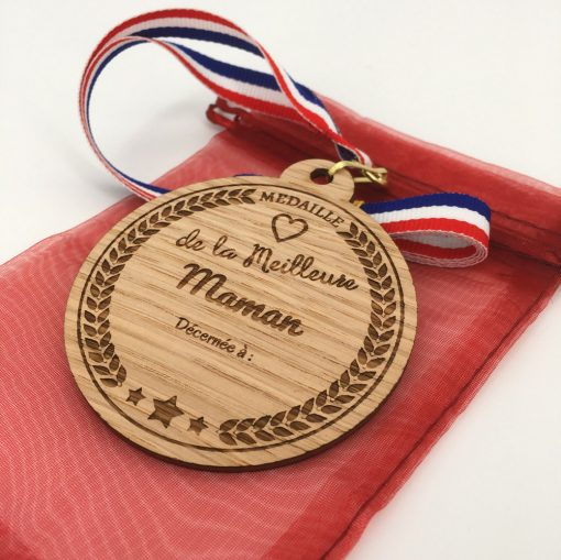 médaille bois personnalisable chêne maman