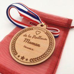 médaille bois personnalisable hêtre maman