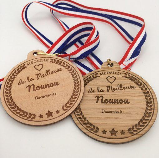 médaille bois personnalisable nounou ensemble