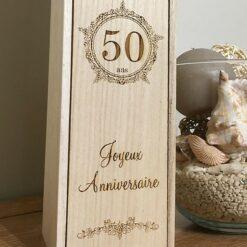 coffret bouteille bois personnalisé anniversaire zoom