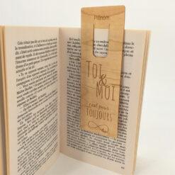marque-page le Toi&Moi dans un livre